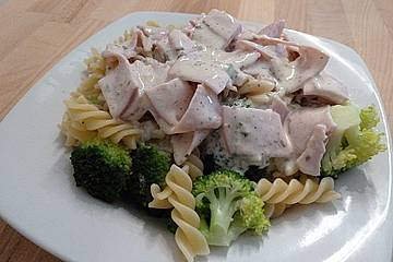 Nudel-Ragout mit Brokkoli