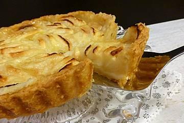 Apfelkuchen aus Quarkmürbteig mit Sahneguss
