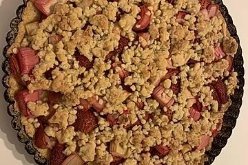 Erdbeer - Rhabarber - Tarte mit Mandelstreuseln