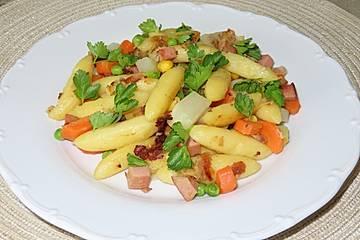 Schnelle Schupfnudelpfanne mit Gemüse