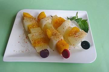 Obstspieße mit Chilisalz und Zucker