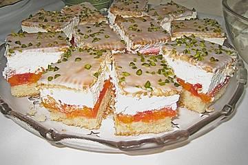 Mandarinenkuchen mit Sahne und Keksdecke