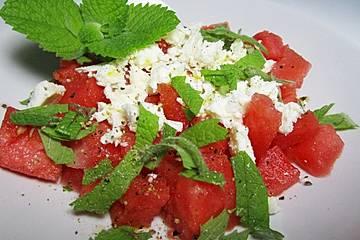 Wassermelonen - Salat mit Schafskäse und Minze