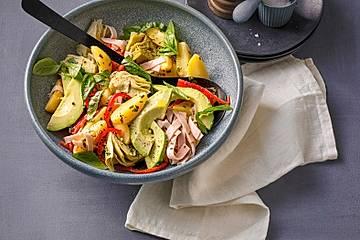 Kartoffelsalat mit Artischocken und Avocado