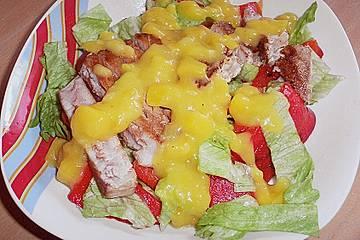 Thunfischsteak auf Paprikasalat mit Mangosoße