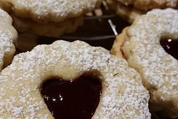 Weihnachtskekse Mit Marmeladenfüllung.Hildabrötchen Mit Marmeladenfüllung