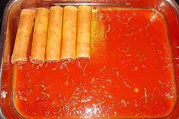 Cannelloni in pikanter Tomatensauce