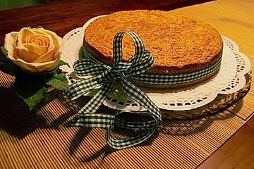 Apfelkuchen mit Mandeldecke