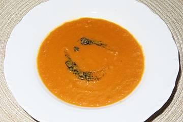Scharfe Karottensuppe