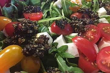Nektarinen - Tomaten - Salat mit Kürbiskernpesto